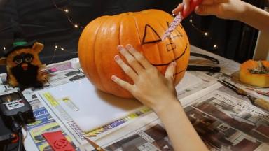 Carving a Pumpkin! | Halloween Special 2020