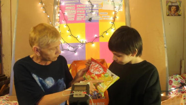 TokyoTreat Japanese Candy Taste Test ft. MommyMommy15! #Ad